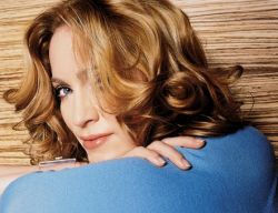 Откровенные фото Мадонны выставлены на продажу