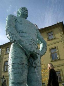 Статуя воронежского коня — это еще цветочки (фото)
