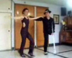 Танцор, лишившийся ноги продолжает танцевать (видео)