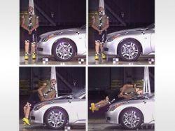 """Nissan защитит пешеходов с помощью \""""подпрыгивающих капотов\"""""""