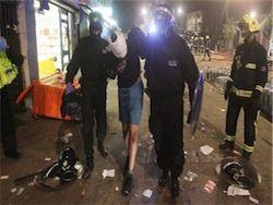Британские банды нападают на полицейских и на пожарных