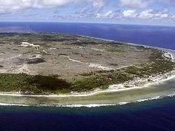 Австралийский пилот слетал на вертолете за шоколадкой