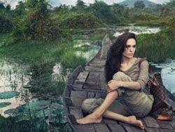 Анджелина Джоли любит есть сверчков