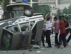 Китайцы устроили беспорядки похлеще англичан