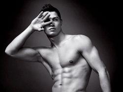 Криштиано Роналдо признан самым популярным футболистом