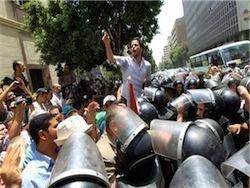 Египтяне поворачиваются против либералов