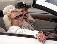 Бритни Спирс продала особняк в Малибу и продает дом в Беверли-Хиллз