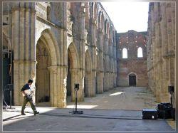 Американский музыкант устраивает концерты в итальянских соборах