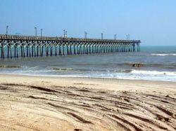 Пляж американского городка засыпали песком вперемешку со снарядами