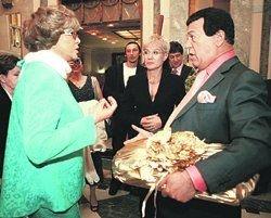 Кобзон возмутился, что Пьеху не поздравили с юбилеем Пугачева и Ротару