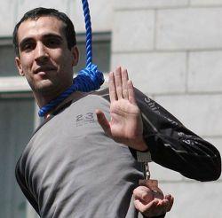 Публичная казнь в Тегеране (фото)