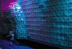"""Ученые и дизайнеры совместно создали \""""живую\"""" стену"""