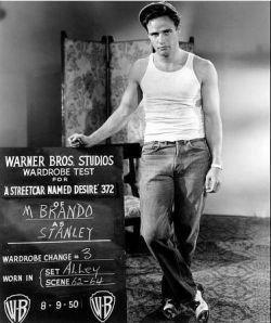 "Марлон Брандо \""подарил\"" свои джинсы Levi\'s"