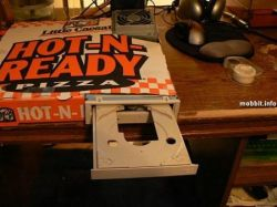 Компьютер в коробке из-под пиццы (фото)