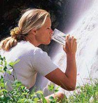 9 весомых причин, чтобы пить воду