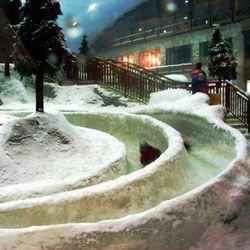 Любители горнолыжного отдыха едут летом в Дубай