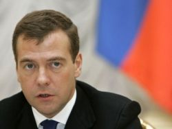 Медведев: Россия заинтересована в уходе Каддафи
