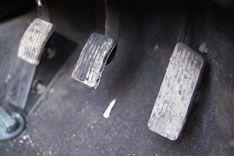 Педаль газа может спасти водителя от столкновения