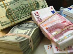 ЦБ: объем рынка наличной валюты снизился на 10%