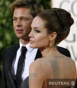 Джоли опять запрягла Питта