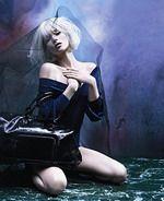 Кейт Мосс рекламирует свою сумку
