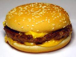 Клиент McDonalds оценил ущерб от сыра в 10 миллионов долларов