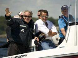 Семья Бушей накормила Саркози гамбургерами и хот-догами