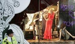 Одежду коллекции от Кейт Мосс шьют рабы