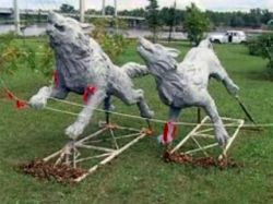 В Красноярске установили памятник сибирскому характеру