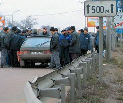 Почти 10 млн мигрантов нелегально работают в России