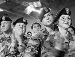 Численность американской армии будет увеличиваться за счет гомосексуалистов