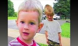 Лихачей начали пугать картонными детьми