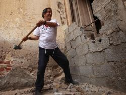 """Ливия: """"революционный еврей"""" восстанавливает синагогу"""