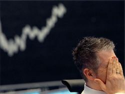 """Новый """"черный вторник"""" на биржах РФ отбросил индексы в 2009 год"""