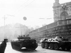 РПЦ: патриоты России в 1993 году спасли страну от войны