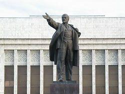 В Кургане предлагают снести памятник Ленину