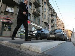 В Петербурге пешеходные переходы подняли на 5 см