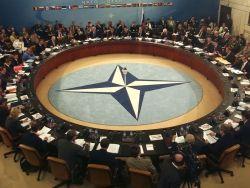 Паралич ЕС и растущие амбиции НАТО