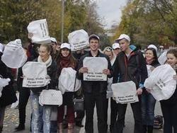 В Москве поклонники Путина запустили в небо воздушные шары