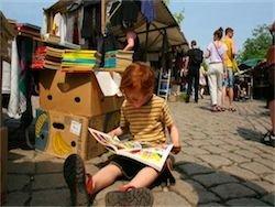 Европу захлестнула мода на мини-барахолки