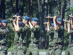 Армия делает ставку на контрактников.