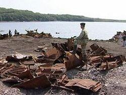 Акваторию вокруг острова Русский очищают от кораблей
