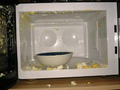 Микроволновка разрушает пищу