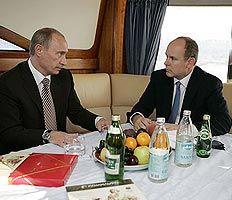 Князь Монако Альбер Второй будет охотиться на изюбря в Иркутской области