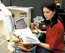 """Виртуальная литература грозит затмить по популярности традиционные \""""бумажные\"""" жанры"""
