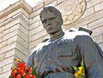 Западная Украина не хочет отдавать Севастополю советские памятники