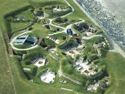 Вандалы разрисовали археологический памятник в Шотландии