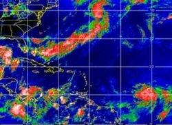"""Скорость ветра в урагане \""""Дин\"""" достигла 200 километров в час"""