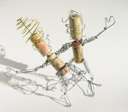 Весёлые и забавные скульптурки из подручных материалов