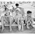 Наши дети проводят лето в лагерях, где их кормят кишечной палочкой
